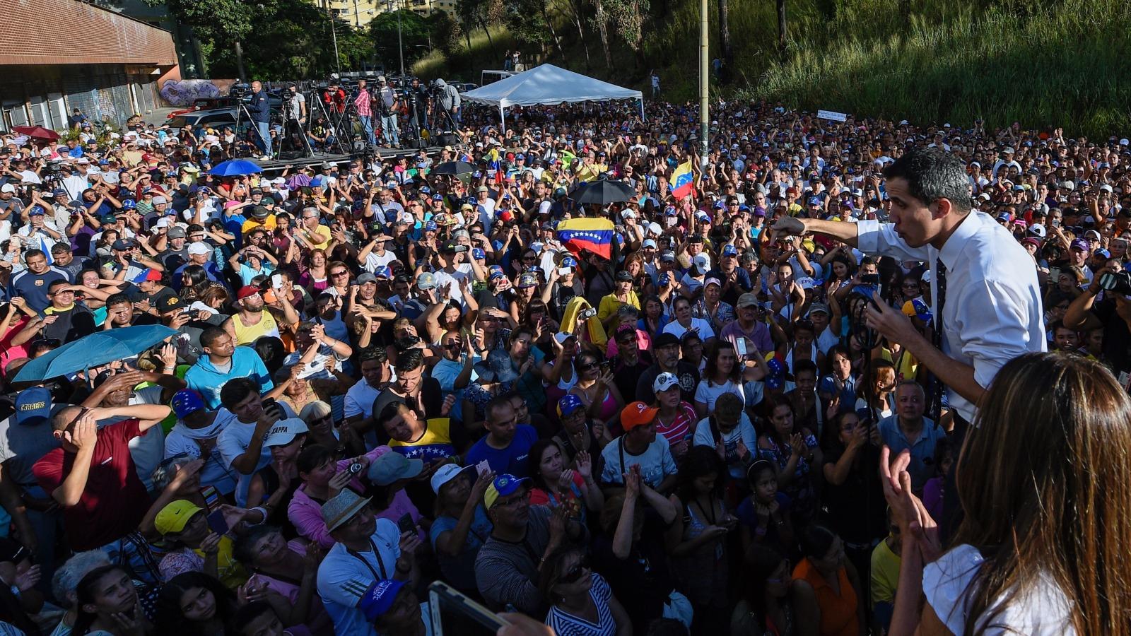 Venezolanos salen a las calles este miércoles para protestar contra Nicolás Maduro