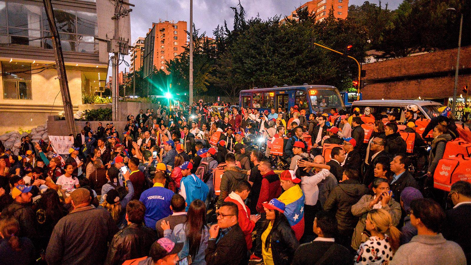 Así vivieron los venezolanos en Colombia el histórico 23E
