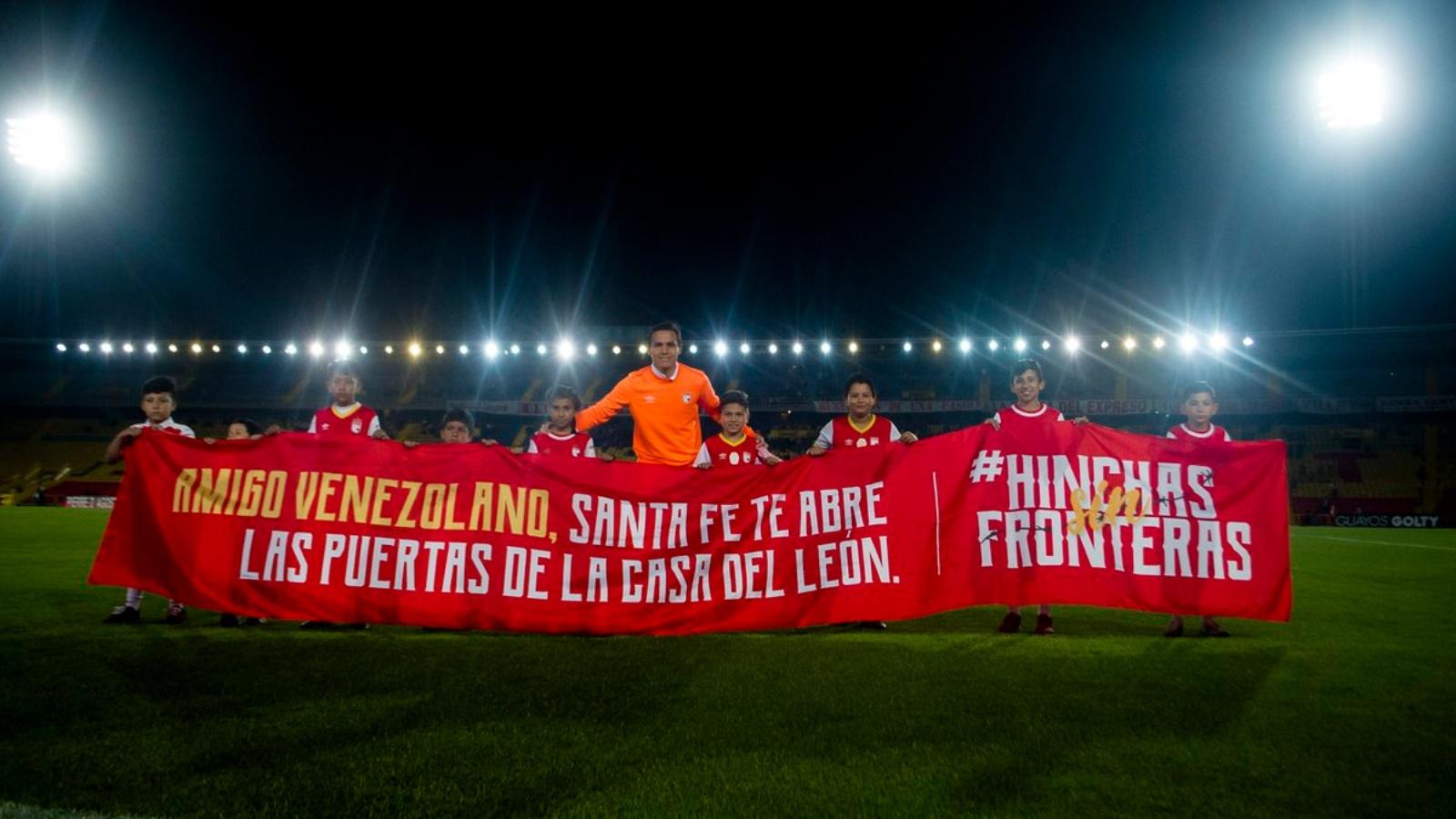 #HinchasSinFronteras: la campaña de Santa Fe que invita a los venezolanos al estadio