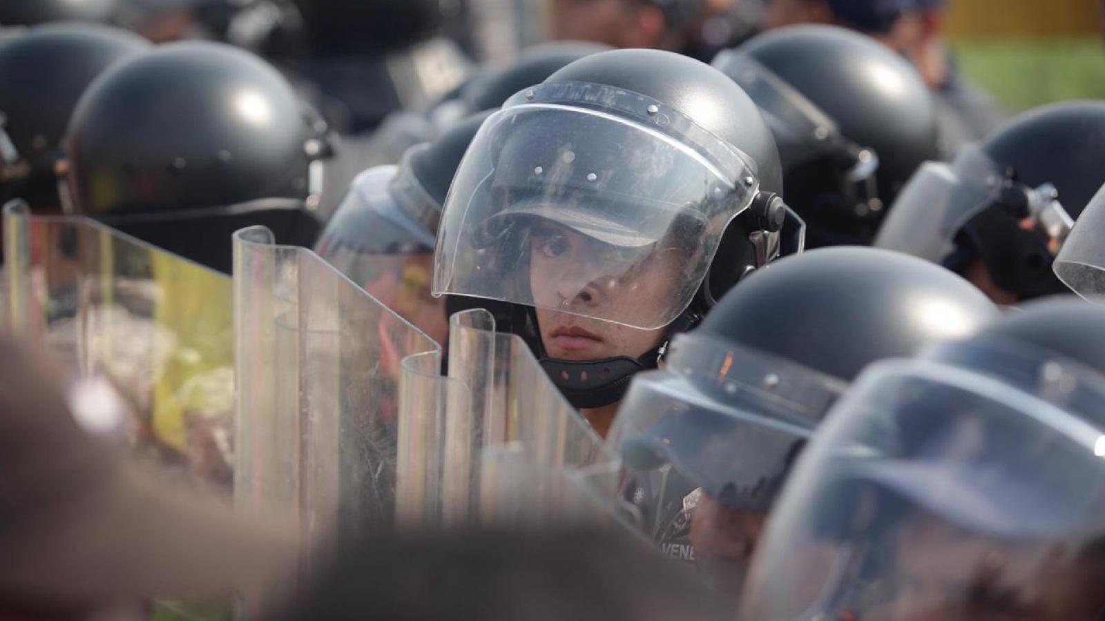 ¿Qué pasará con los más de 500 militares venezolanos que han llegado a Colombia?