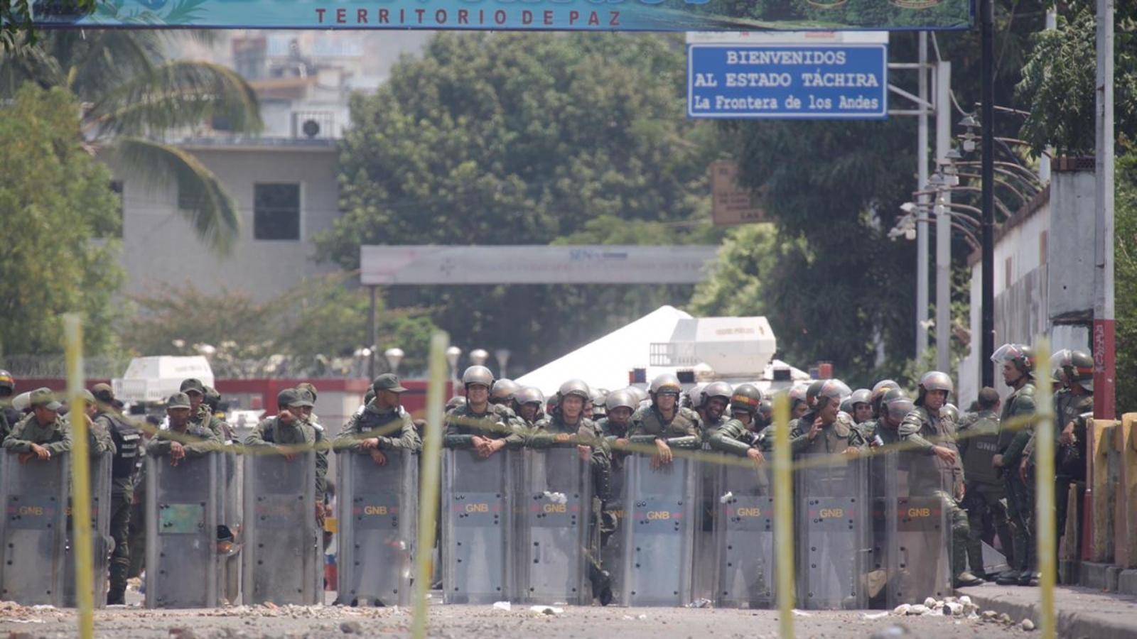 Estados Unidos sanciona a funcionarios venezolanos por impedir entrada de donaciones