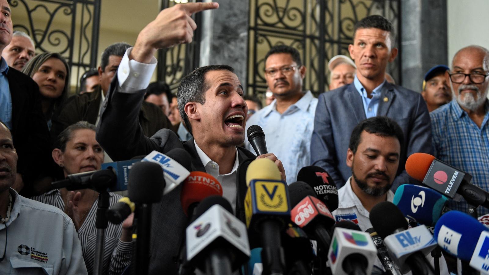 Guaidó respalda propuesta de huelga de funcionarios públicos en Venezuela