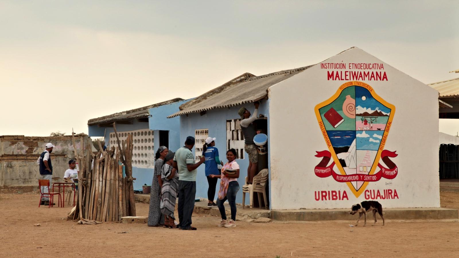 Aulas en el desierto: garantía de educación para los niños migrantes en La Guajira
