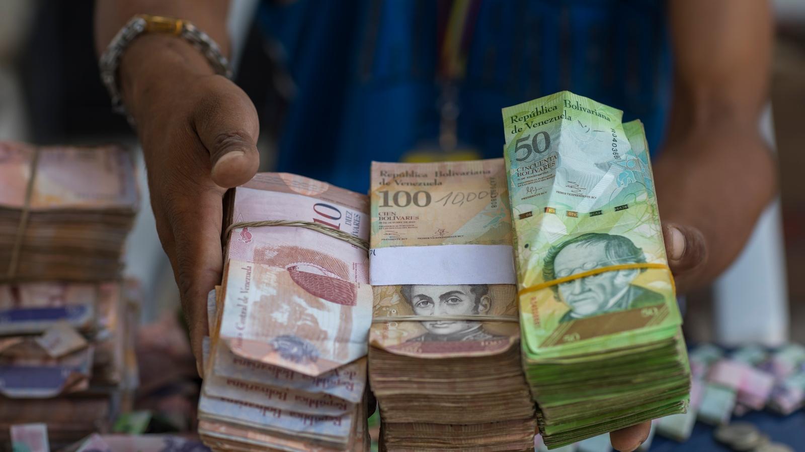 Inflación venezolana llegó a 815.194 por ciento en mayo, según Parlamento