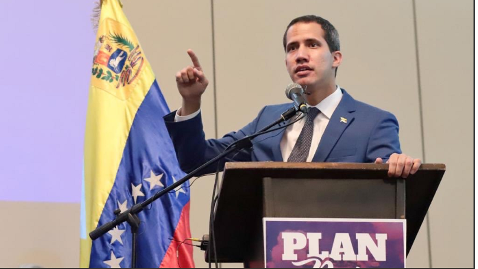 Guaidó dice que fondos malversados presuntamente eran de donaciones privadas