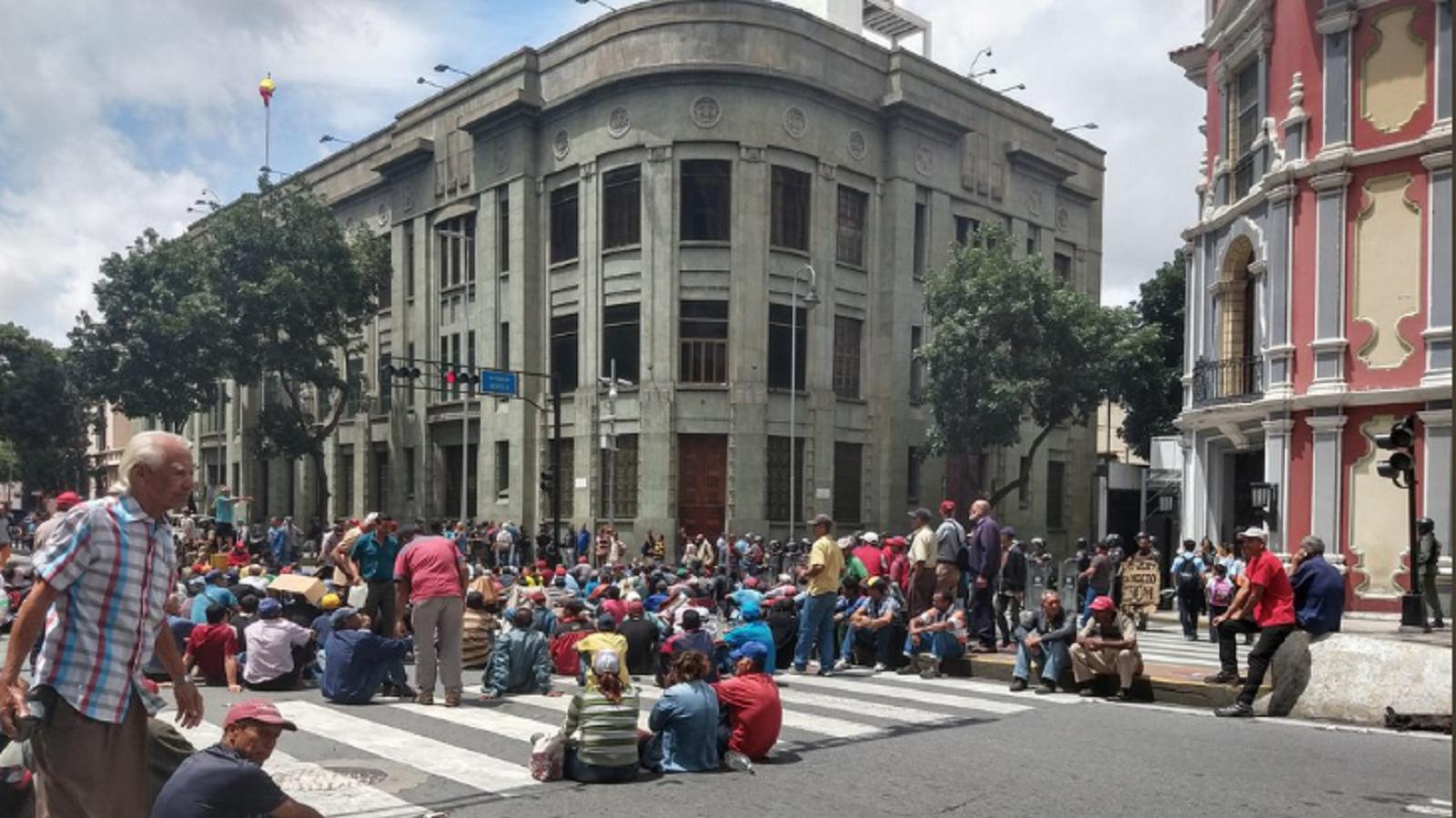 Venezolanos protestan para llamar la atención de Bachelet