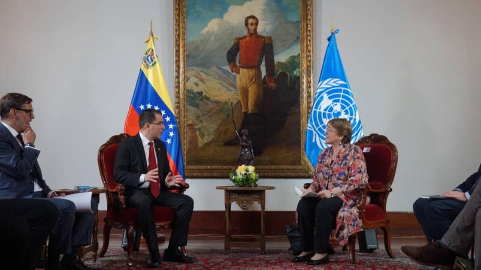 Bachelet pide liberar opositores y califica de