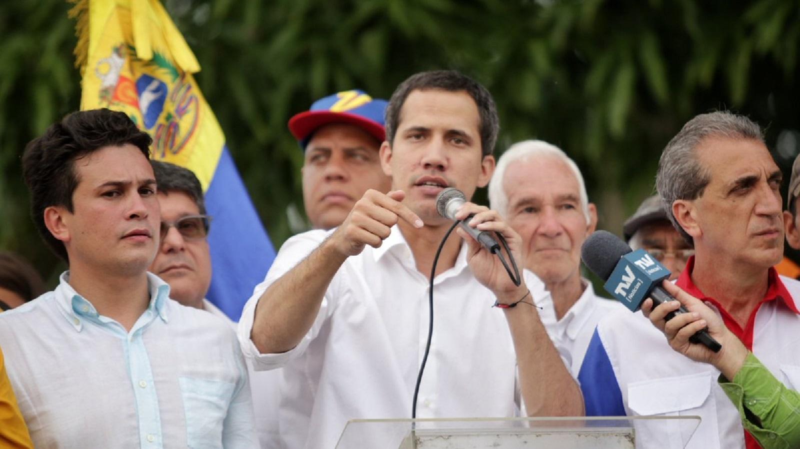 Guaidó denuncia muerte de militar detenido por presunto complot contra Maduro