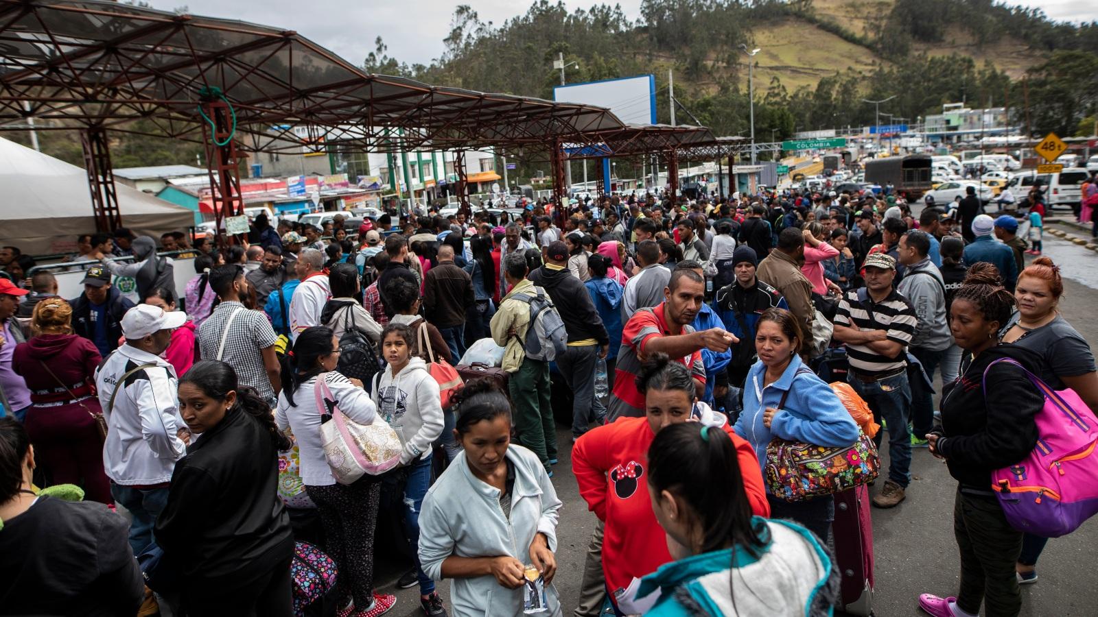 Chile estima que unos 300.000 venezolanos llegarían para 2020