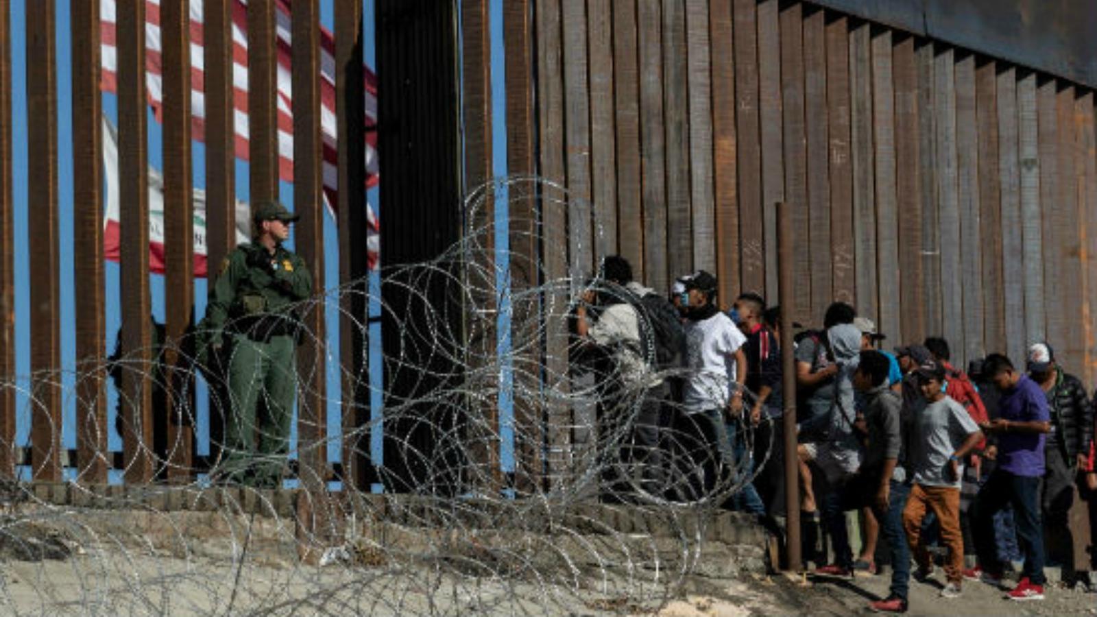 Estados de EE.UU en alianza contra ley que niega ciudadanía a migrantes