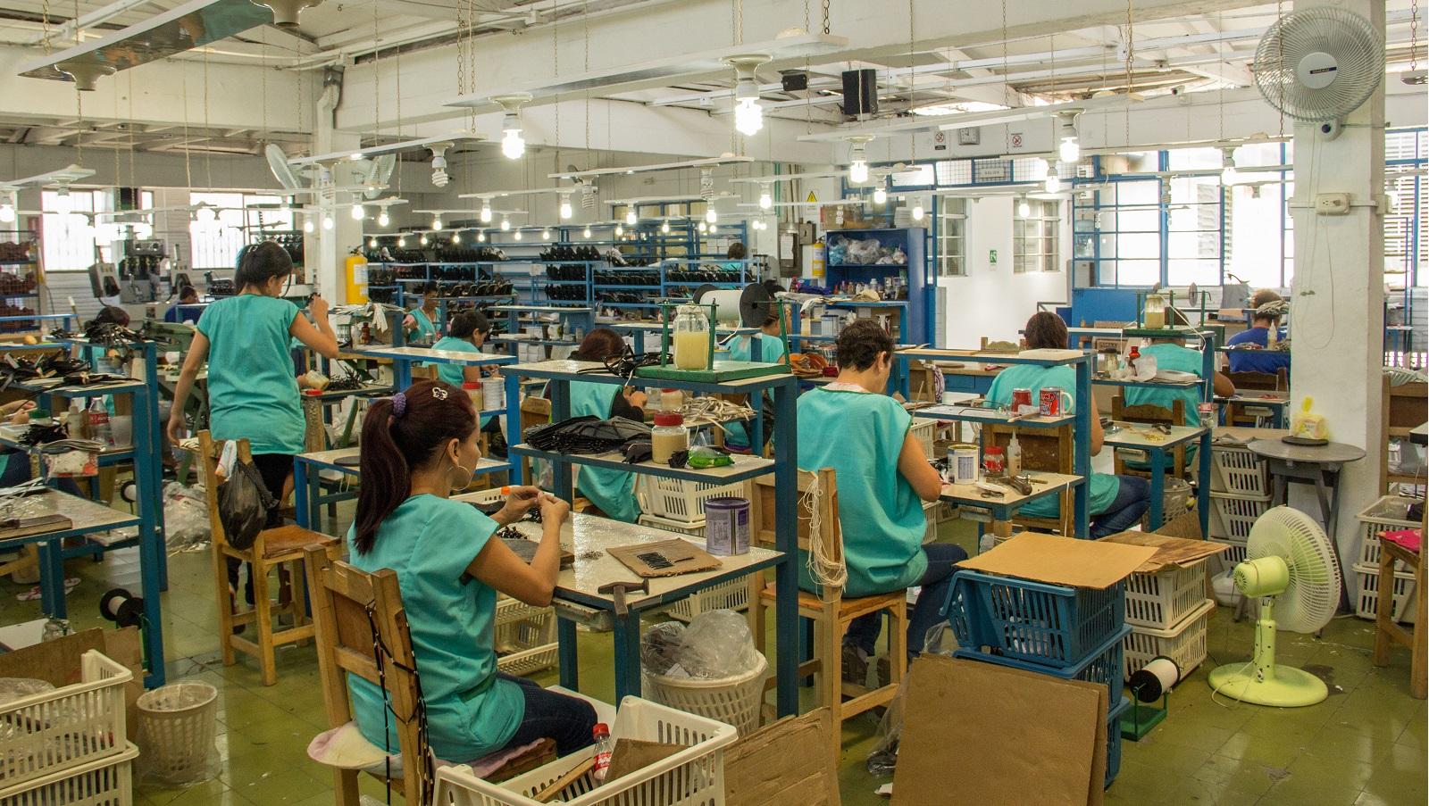 El 80 por ciento de las empresas venezolanas paró o disminuyó producción en 2019