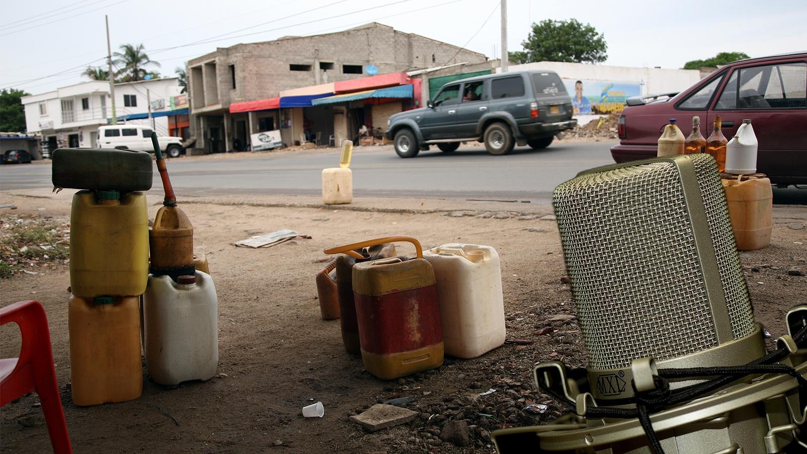 RADIO   Los contrabandistas y su papel en la economía de La Guajira