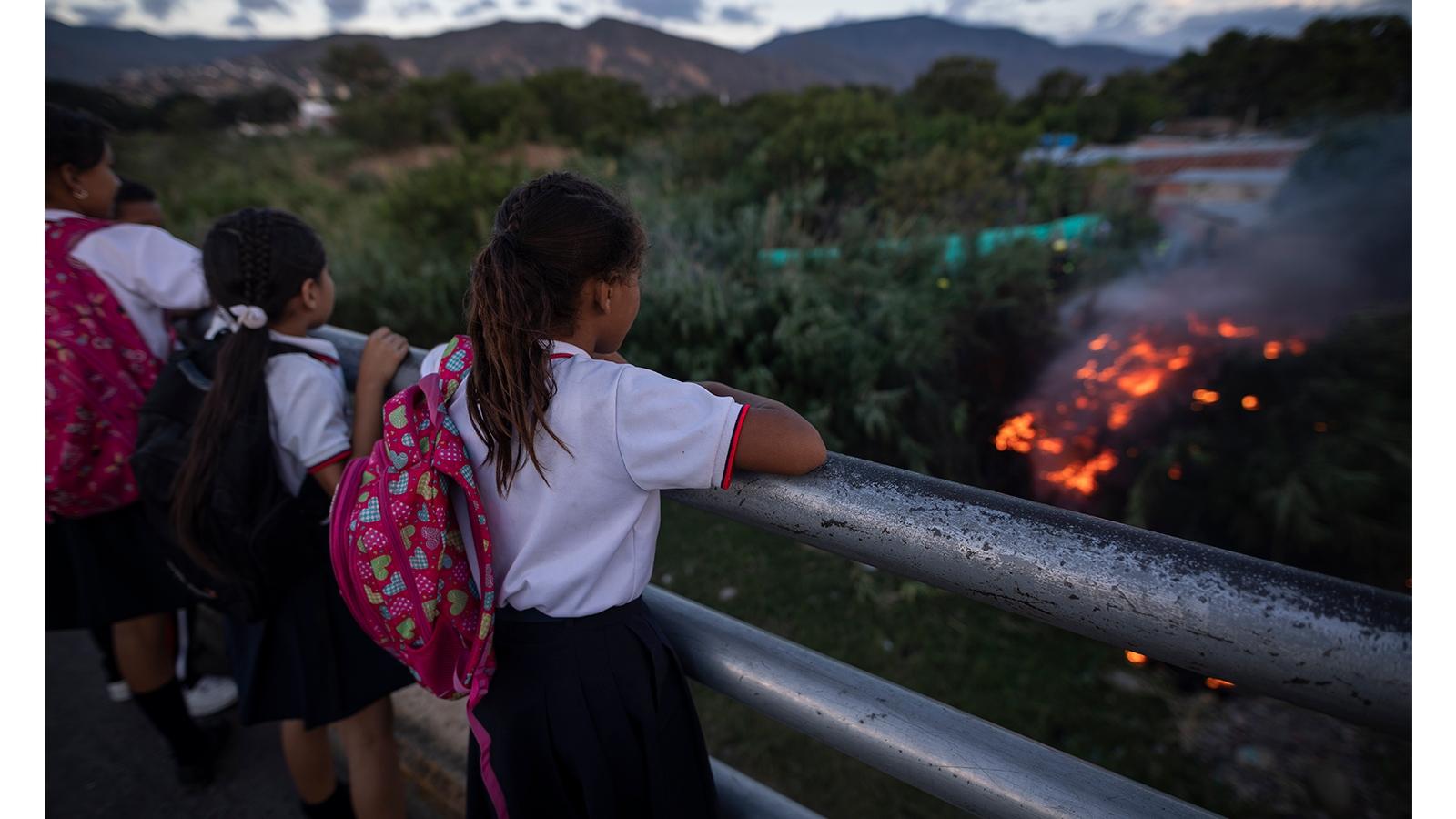 La escuela: entorno protector para los niños venezolanos en Colombia