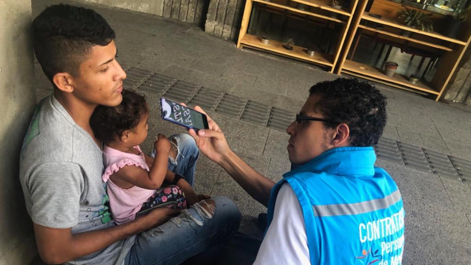 Con inteligencia artificial analizan las necesidades de los migrantes en Medellín