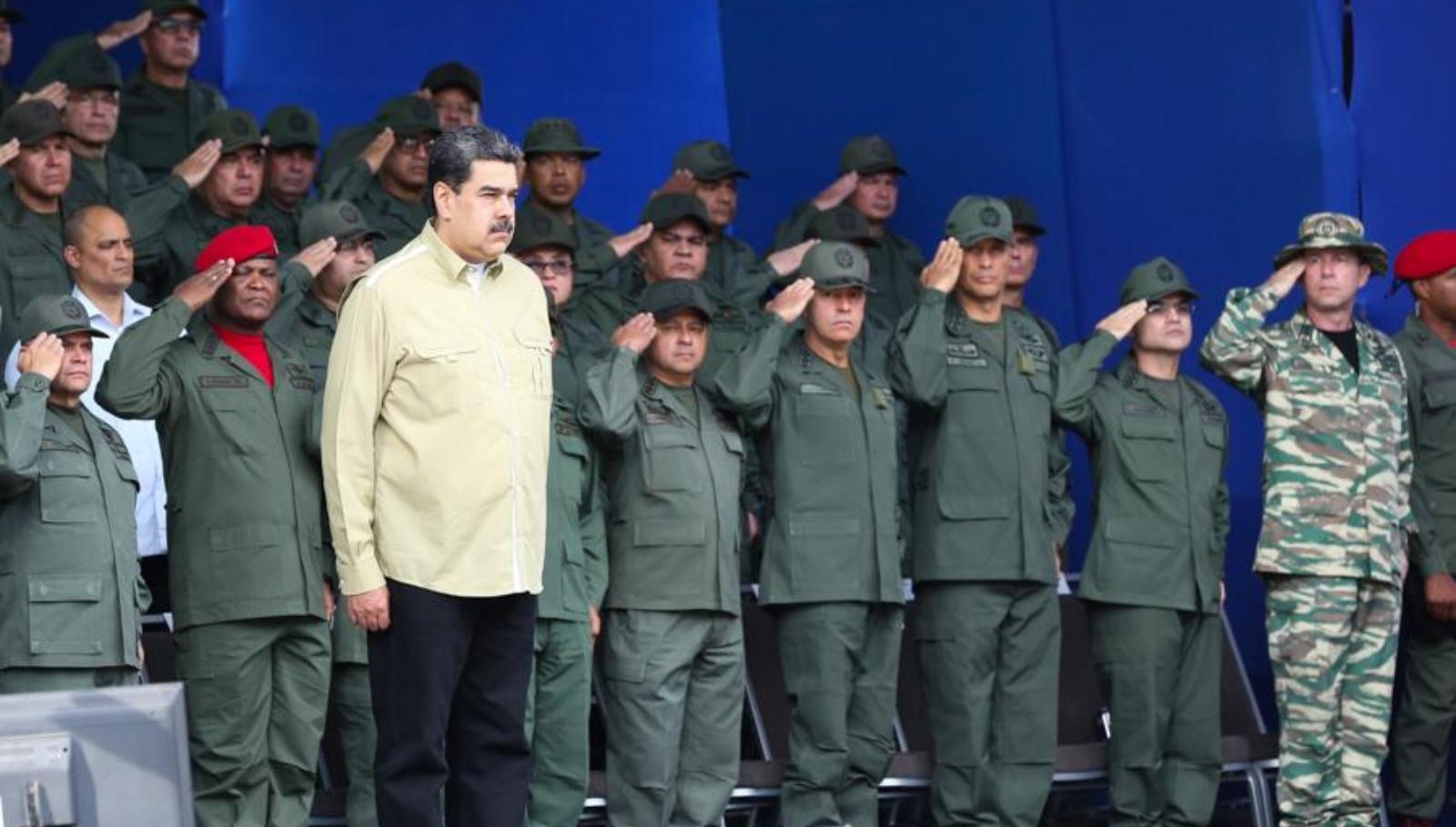 Maduro pide a Brasil entregar a desertores militares de Venezuela
