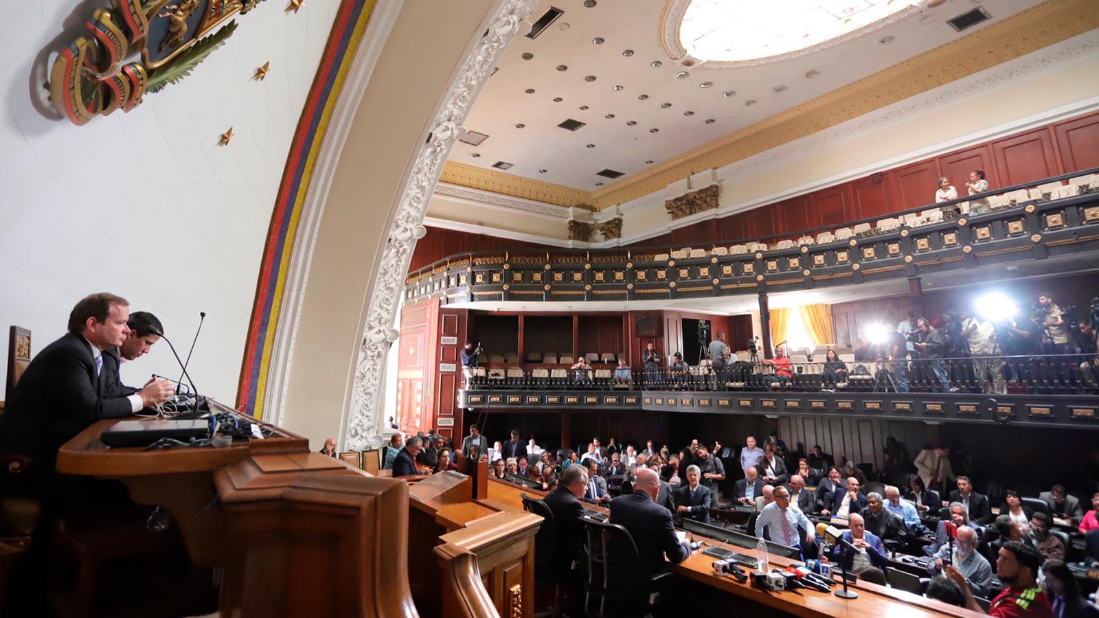 'Me ofrecieron 750.000 dólares para torcer la voluntad popular': diputado José Hernández