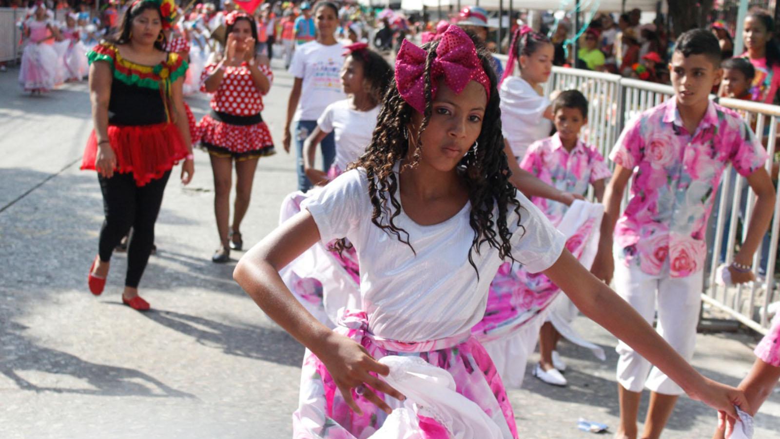 'Chamos a lo Bien', la comparsa de niños venezolanos en el Carnaval de Barranquilla