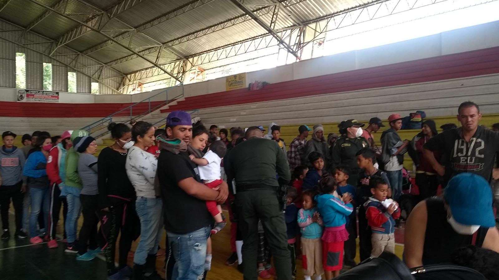 Cierran albergues que ayudan a los caminantes venezolanos en la frontera