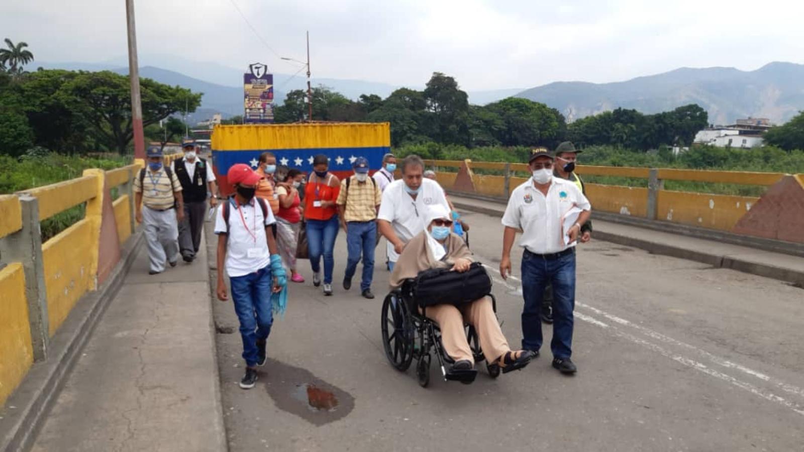 """""""El 95% de los pacientes que necesitan cruzar la frontera son colombianos"""": ONG"""