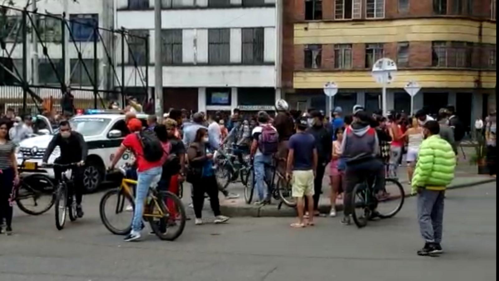 Claudia López mantiene que Distrito no puede hacerse cargo de los venezolanos