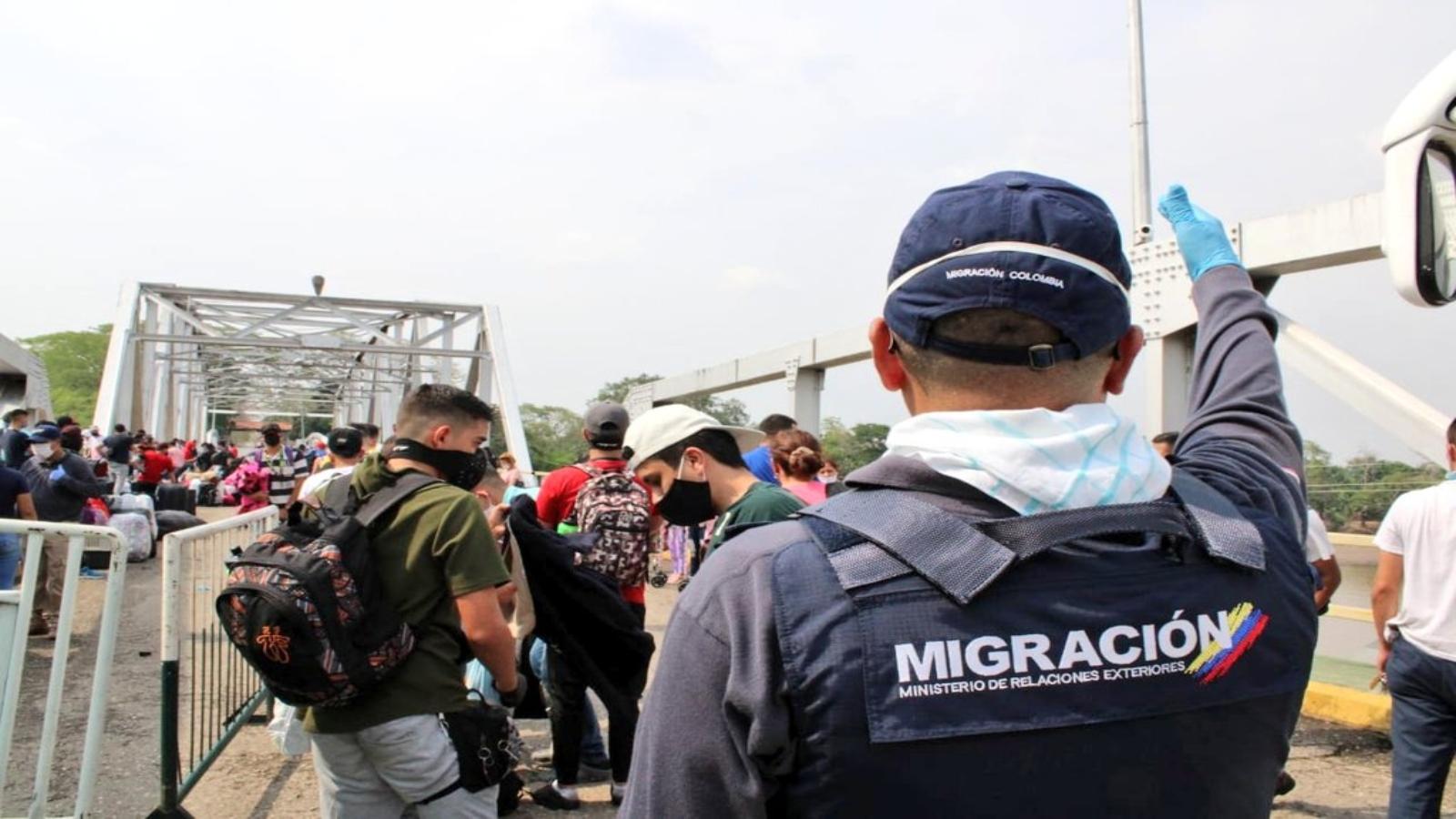 Venezuela anuncia que solo puede recibir a 300 migrantes por día