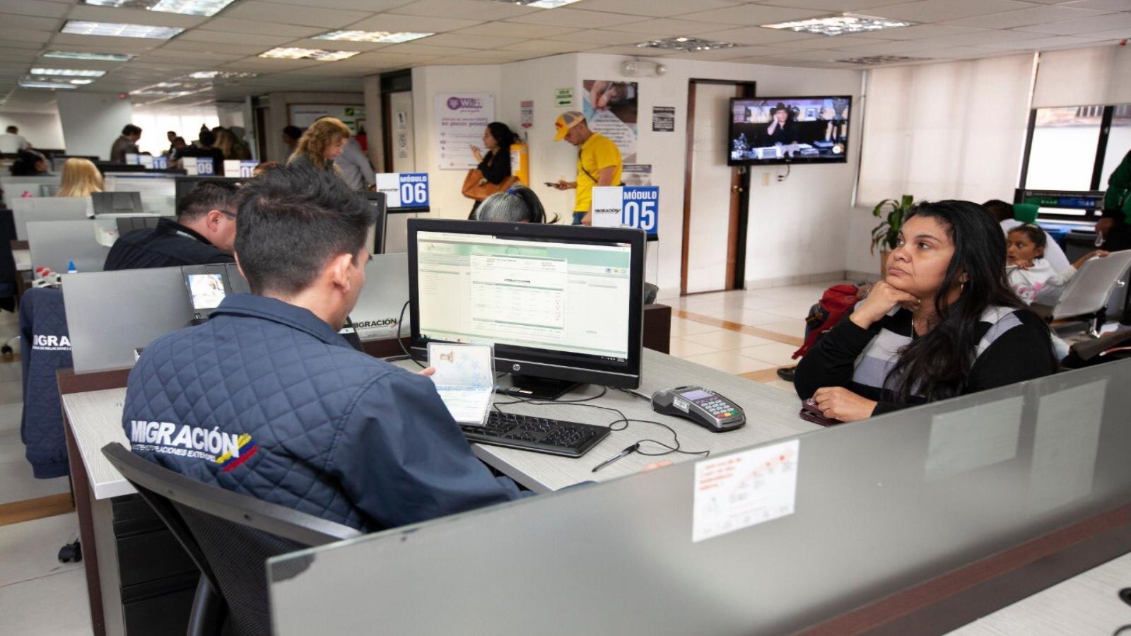 Simplificar trámites, identificación a largo plazo y acceso laboral piden ONG venezolanas
