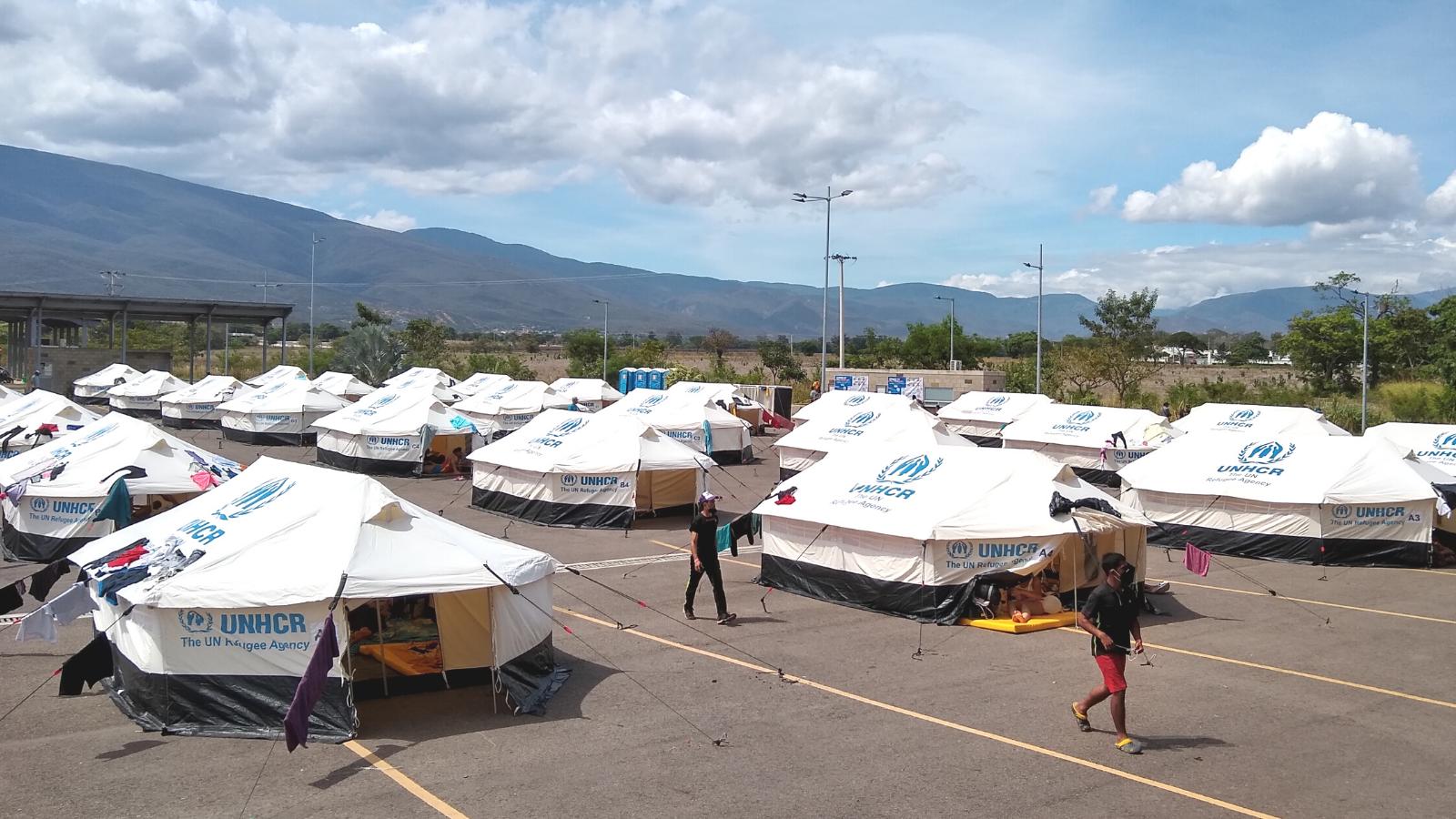 Venezolanos retornando: del desamparo en la frontera al cobijo de Tienditas