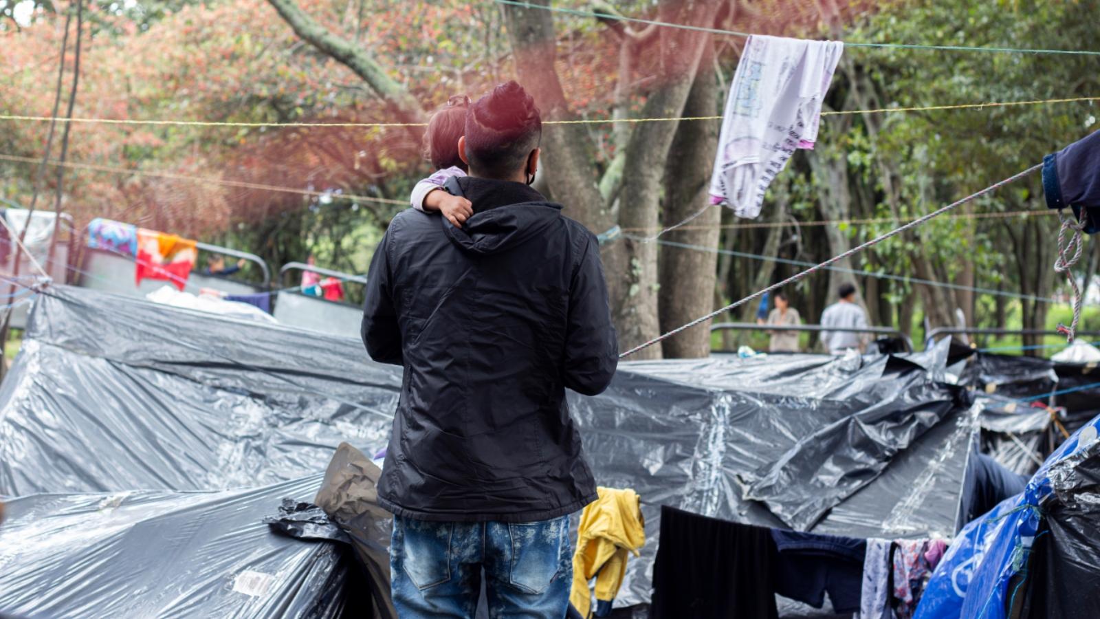 Venezolanos que estaban en la autopista norte aceptan ser trasladados a albergues