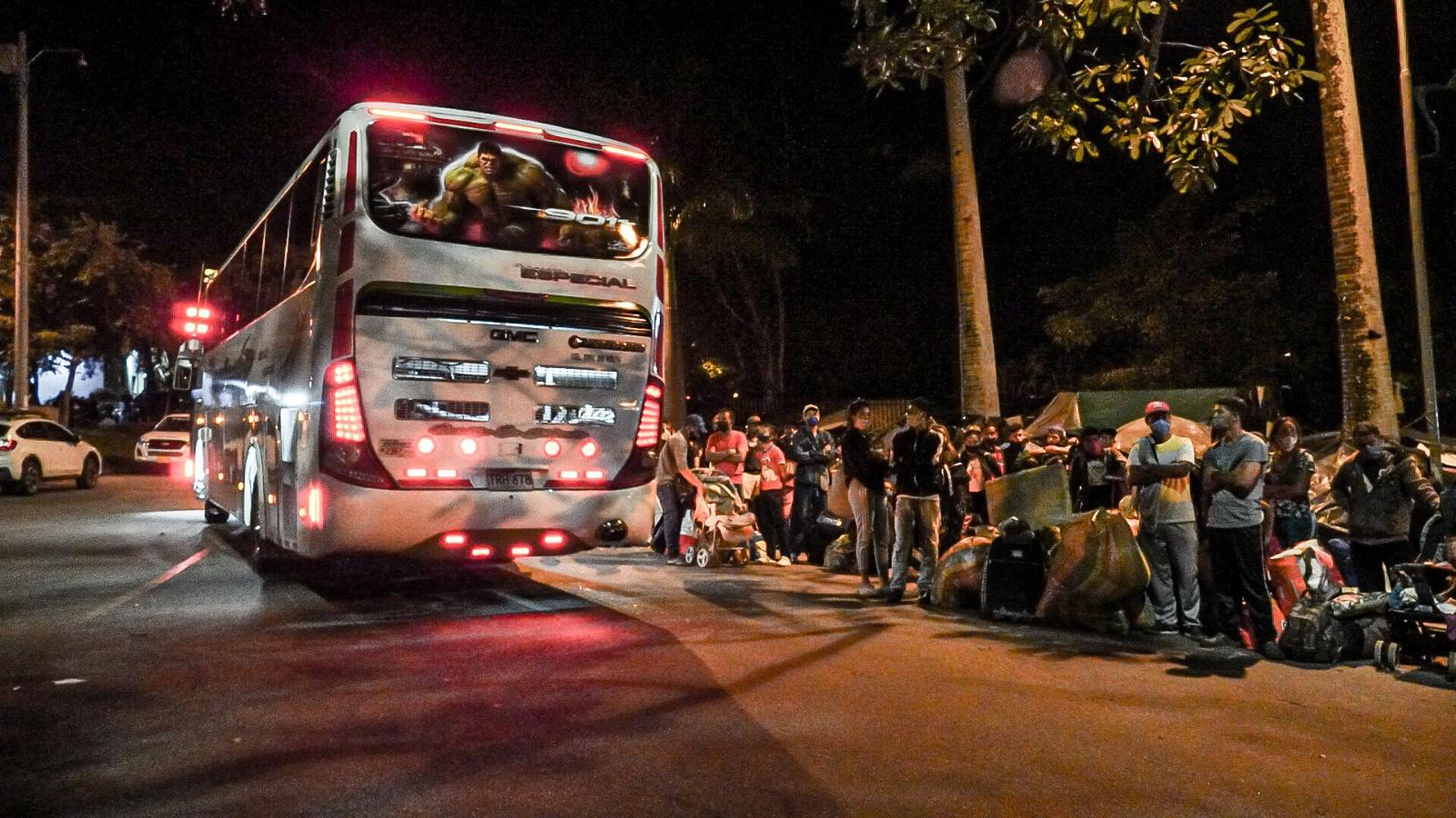 Más de 5.800 migrantes han sido trasladados a la frontera desde Bucaramanga