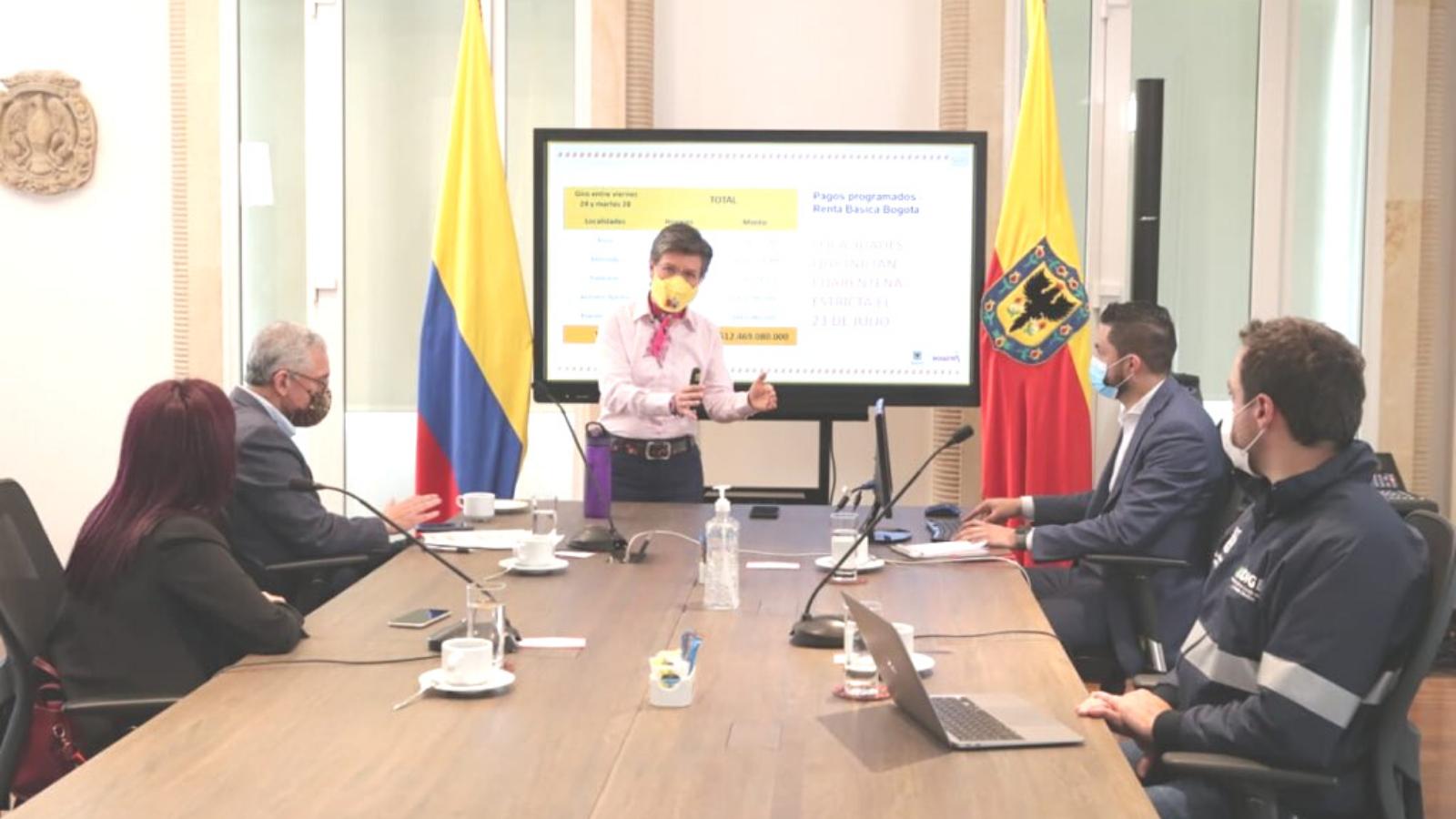 """""""A los venezolanos les he dicho con amor, por favor, quédense"""": Claudia López"""