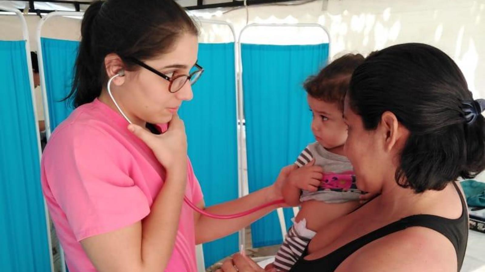 Más de 1.800 profesionales venezolanos de la salud, listos para trabajar en Colombia