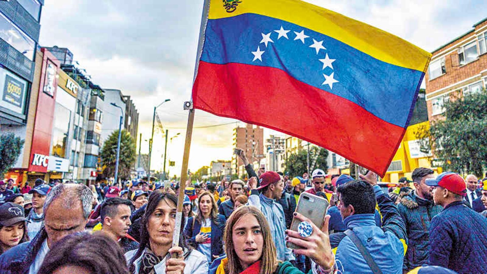 El 69 por ciento de los jóvenes venezolanos quiere migrar