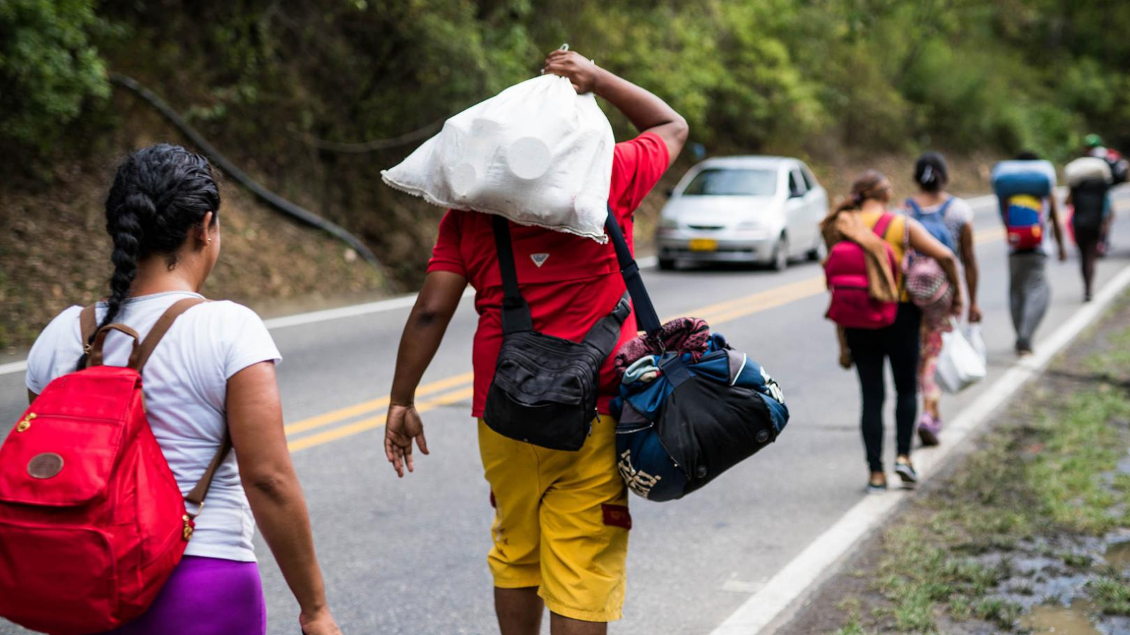 El Papa exhorta a acoger a los migrantes y refugiados