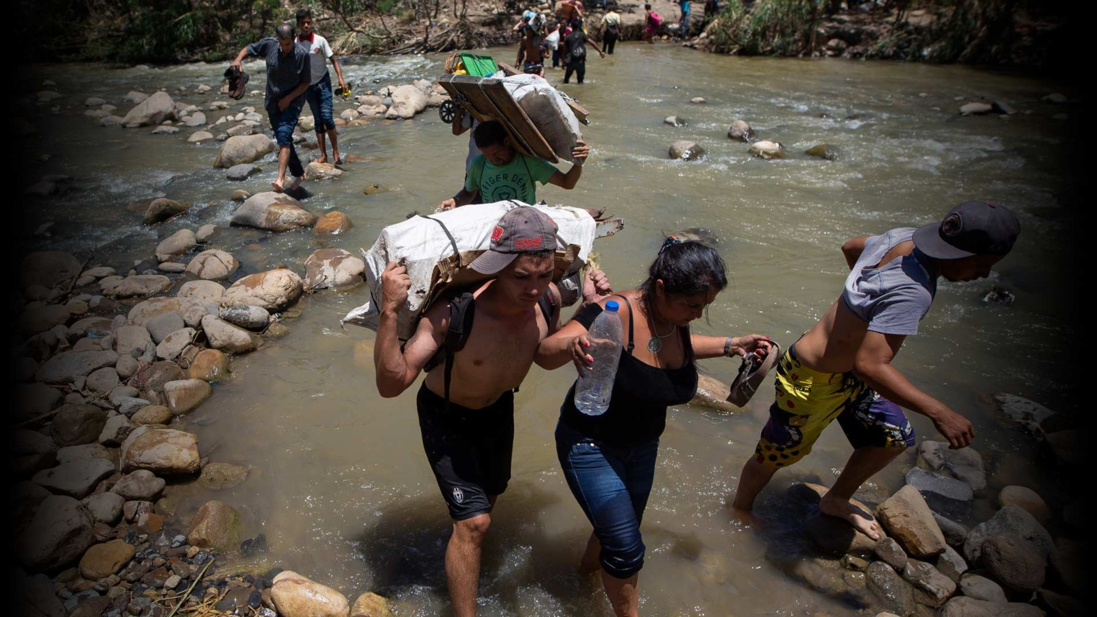 ONG denuncia agresiones a migrantes que cruzan las trochas