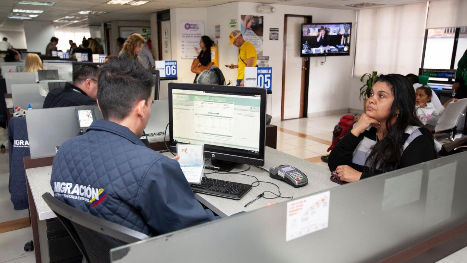 En un mes, 11.500 venezolanos se han regularizado en el país