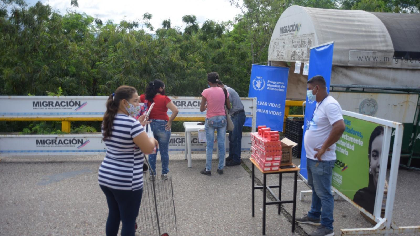 Entregaron alimentos del PAE a estudiantes transfronterizos