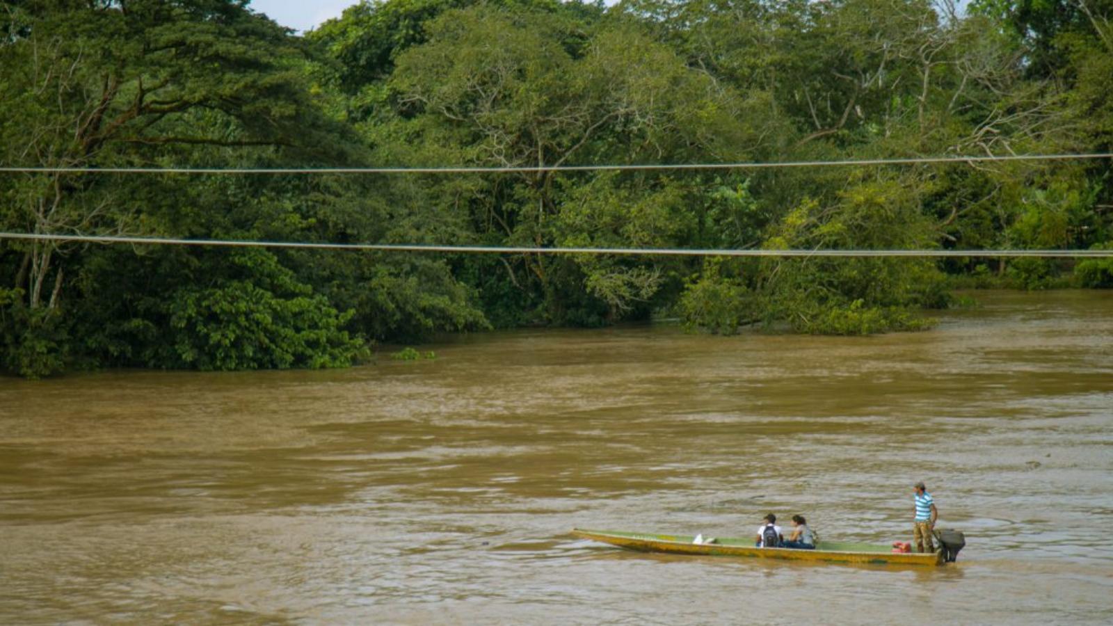 Alerta por incremento de migrantes en paso ilegal por el río Arauca