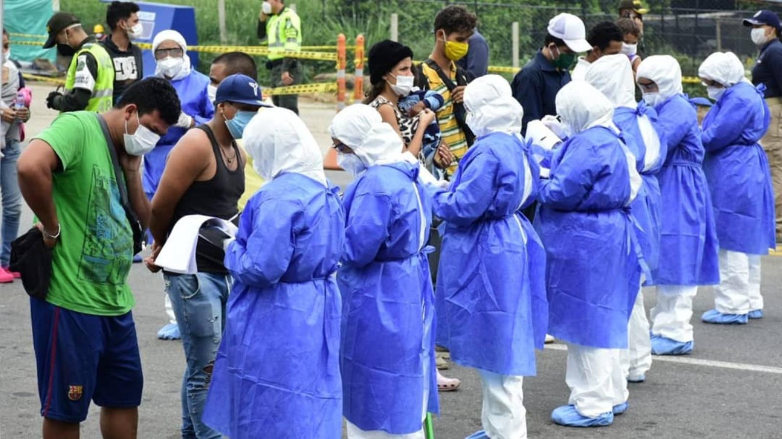 Duque pide de nuevo ayuda para vacunar a migrantes irregulares