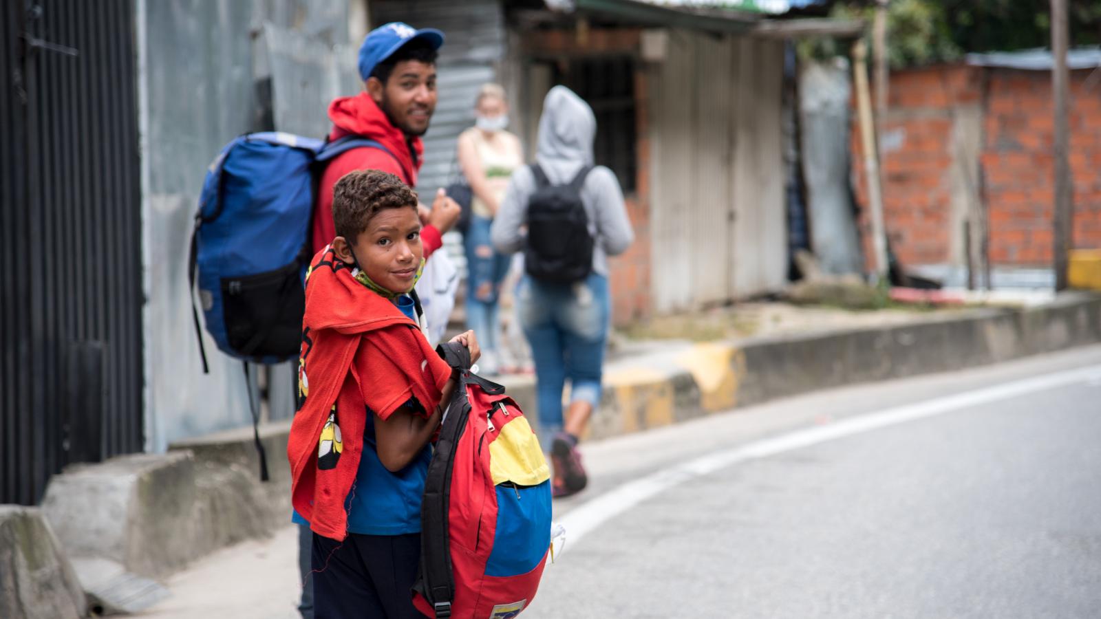 Colombianos mejoraron radicalmente su percepción sobre el manejo de la migración