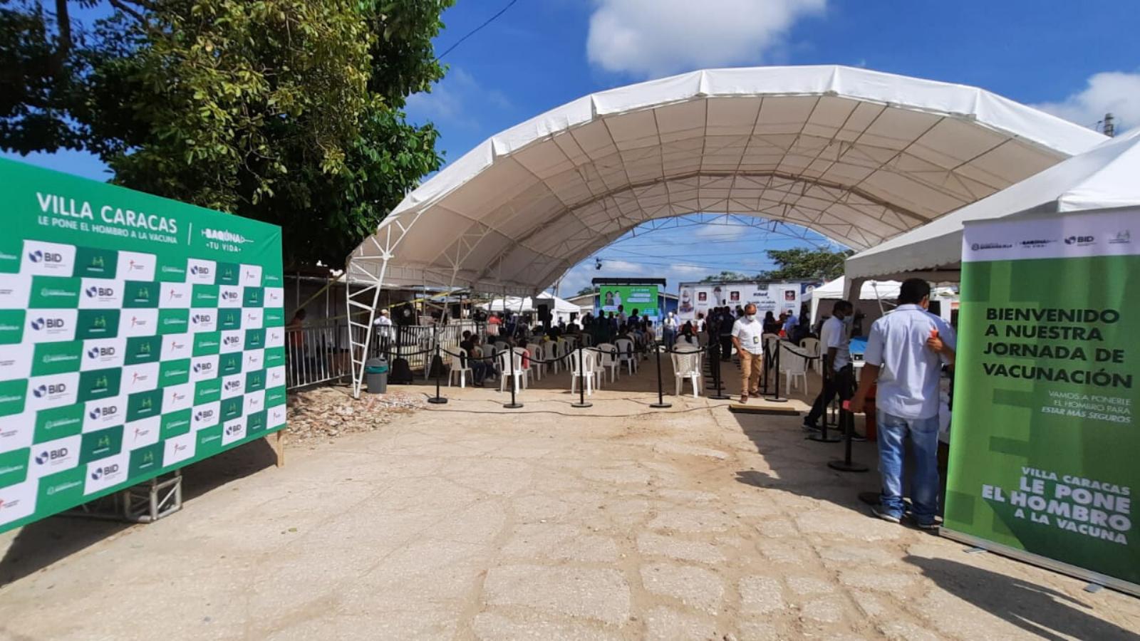 Vacunan contra la covid-19 a migrantes vulnerables en Barranquilla