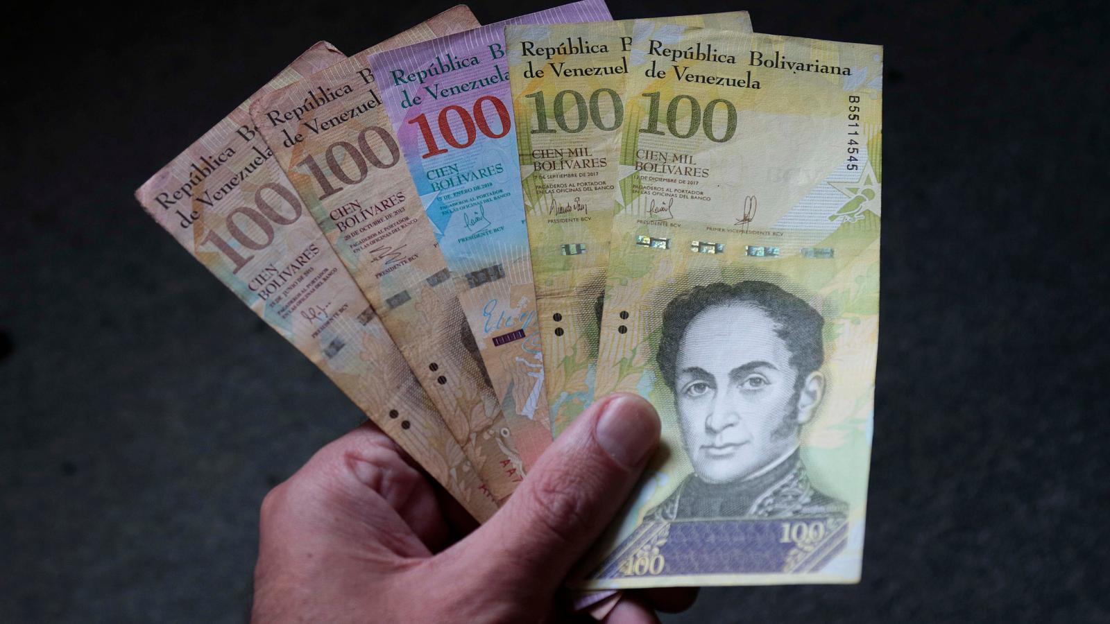 Reconversión del bolívar: ¿menos ceros, más migrantes venezolanos?