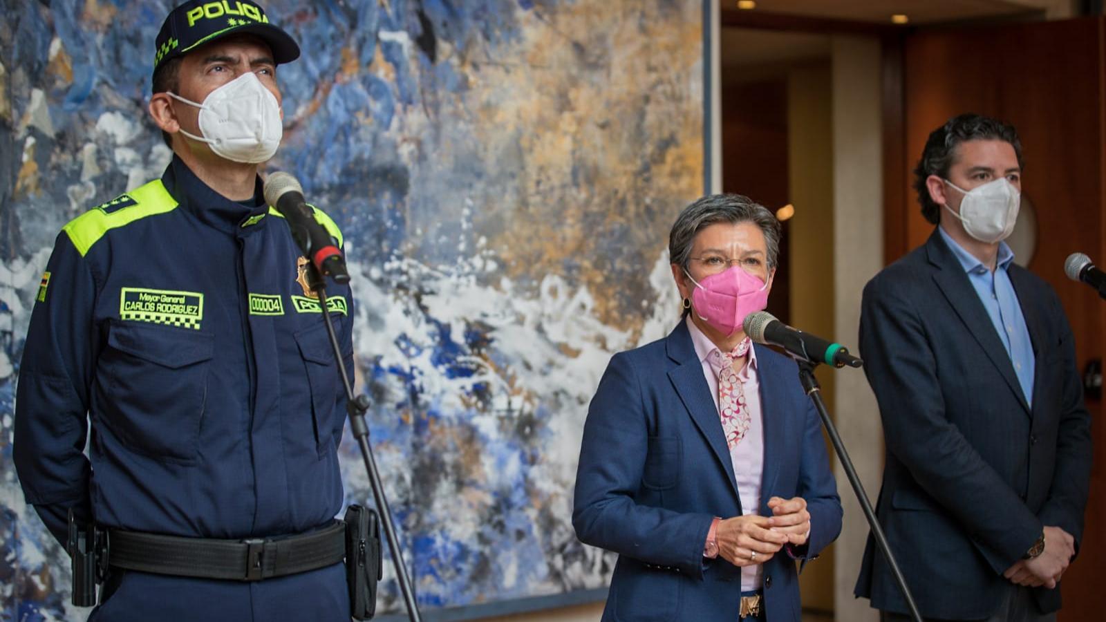 Acusan de xenófoba a Claudia López por hacer control migratorio para extranjeros
