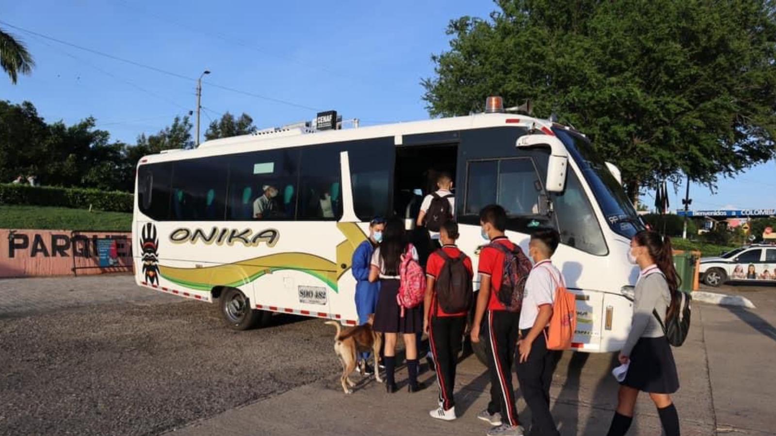 Buses para menores venezolanos que estudian en Colombia ya están funcionando