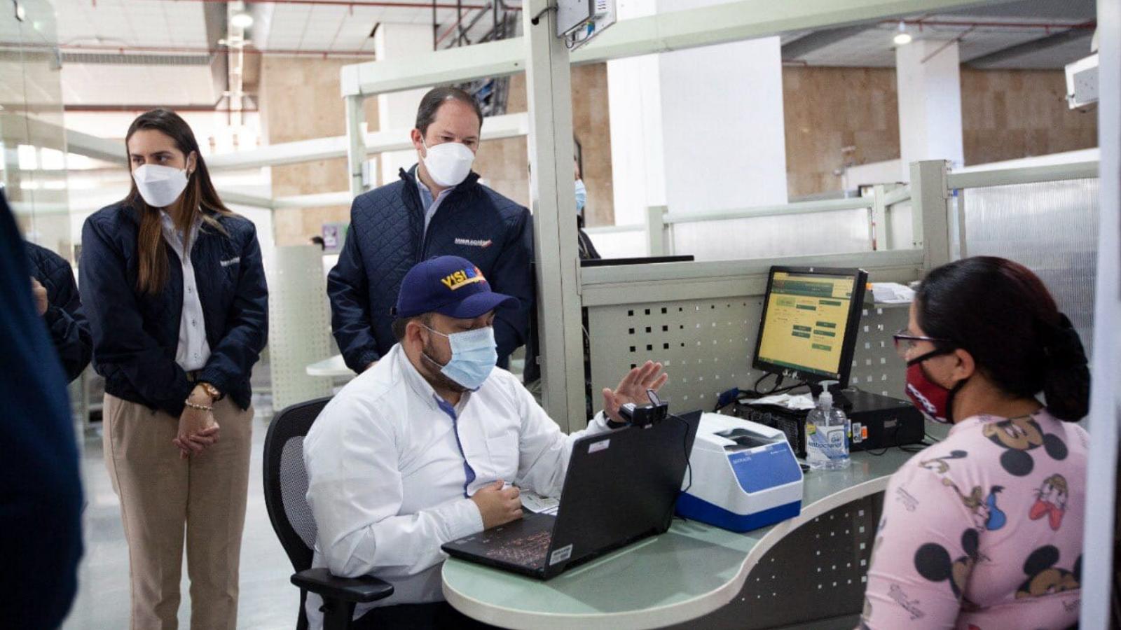 Balance: 18 de cada 100 venezolanos no asiste a la cita del registro biométrico