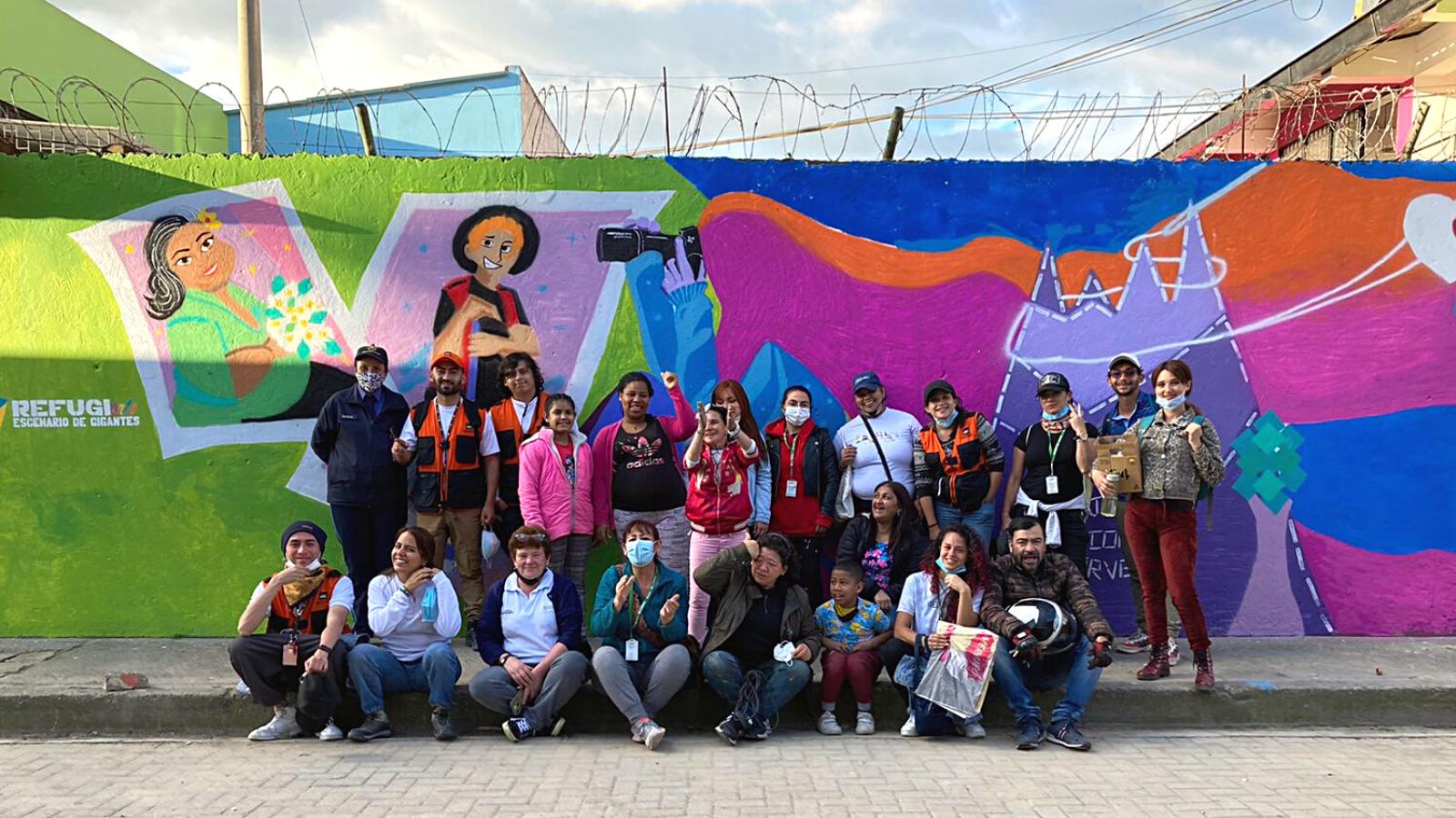Un mural y un sancocho integraron a refugiadas venezolanas en Mosquera