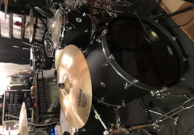 Custom Online Drum Tracks! 24/7 availability. DW DRUMS, several snares, cymbals and mics to get the sound that you want! Fast delivery. PayPal accepted, Dropbox or Google Drive Delivery.