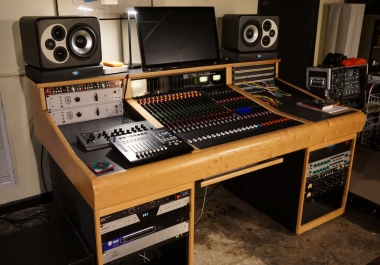 Professional mixing on Trident 88 Console by experienced rock/folk/pop producer/engineer, Pete Jacobs, at Black Dog Recording.