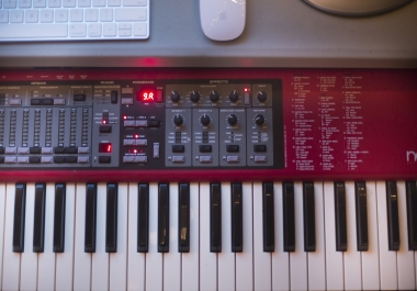 Professional Keyboard, Rhodes, Synth on your track!