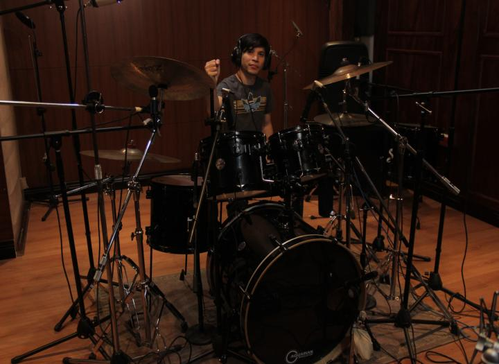 I will record for you drumtracks of excellent quality at minimum price