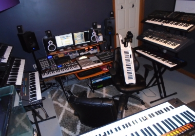 Keyboardist Available